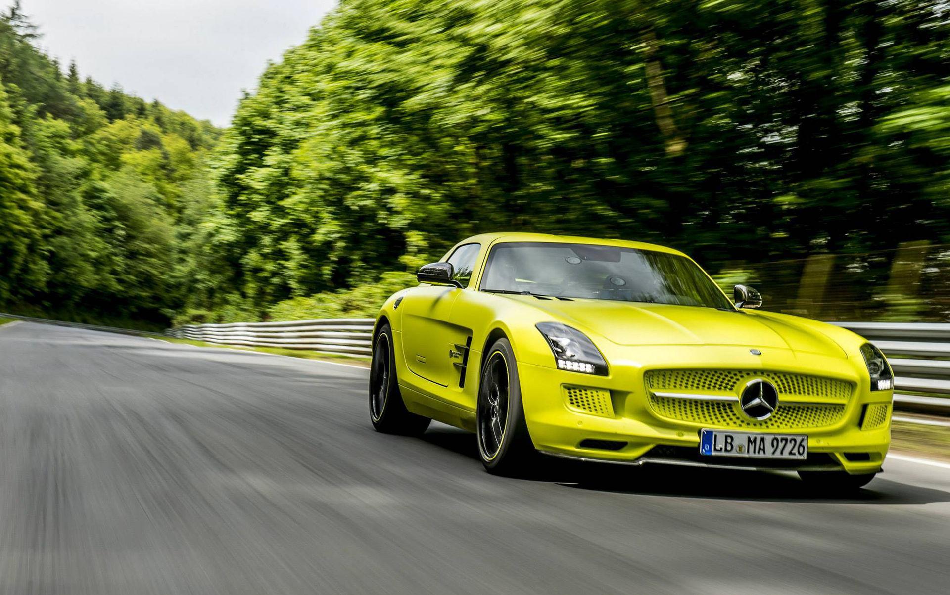Helt eldrivna AMG-bilar är på gång