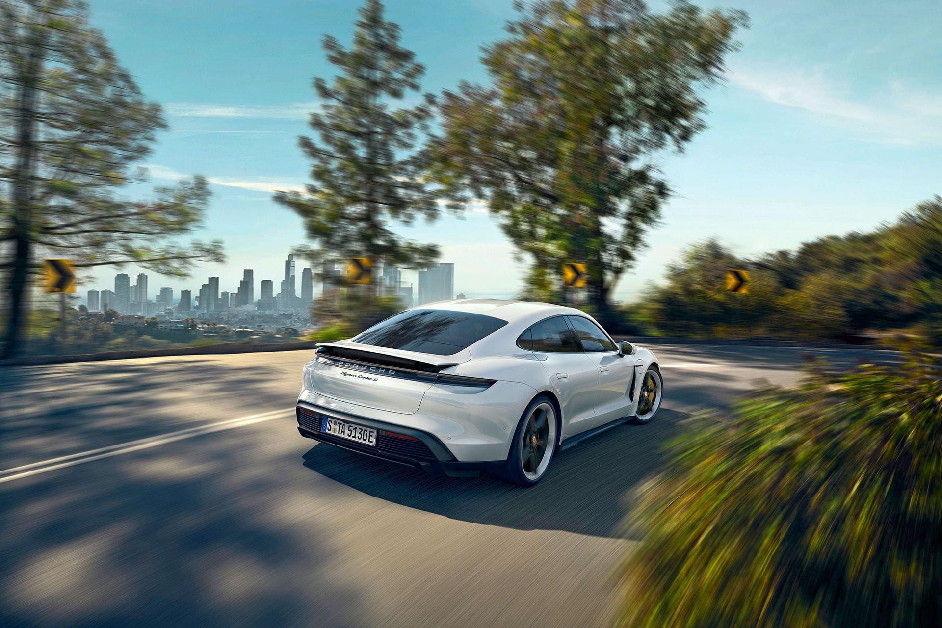 Så här låter Porsche Taycans fejkade motorljud