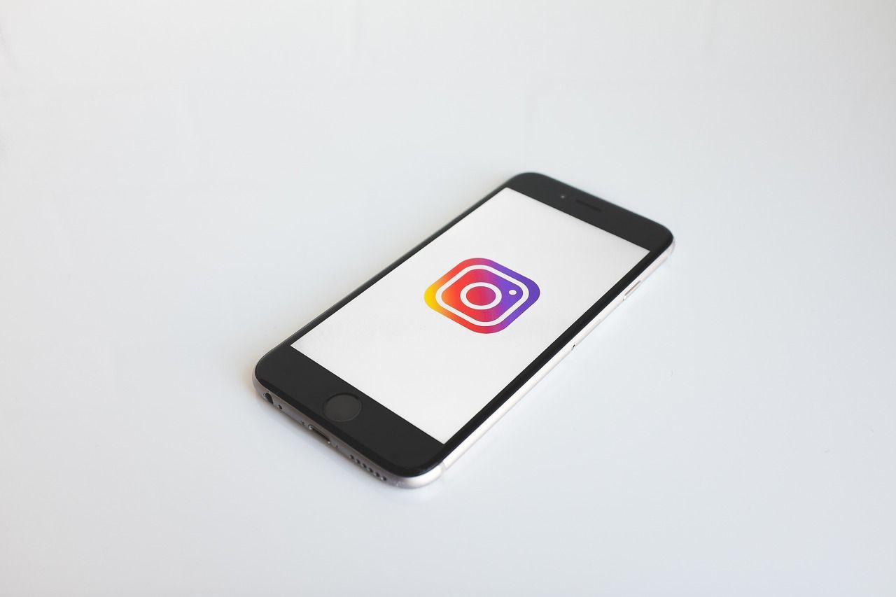Yngre slipper en del av Instagrams och Facebooks annonser