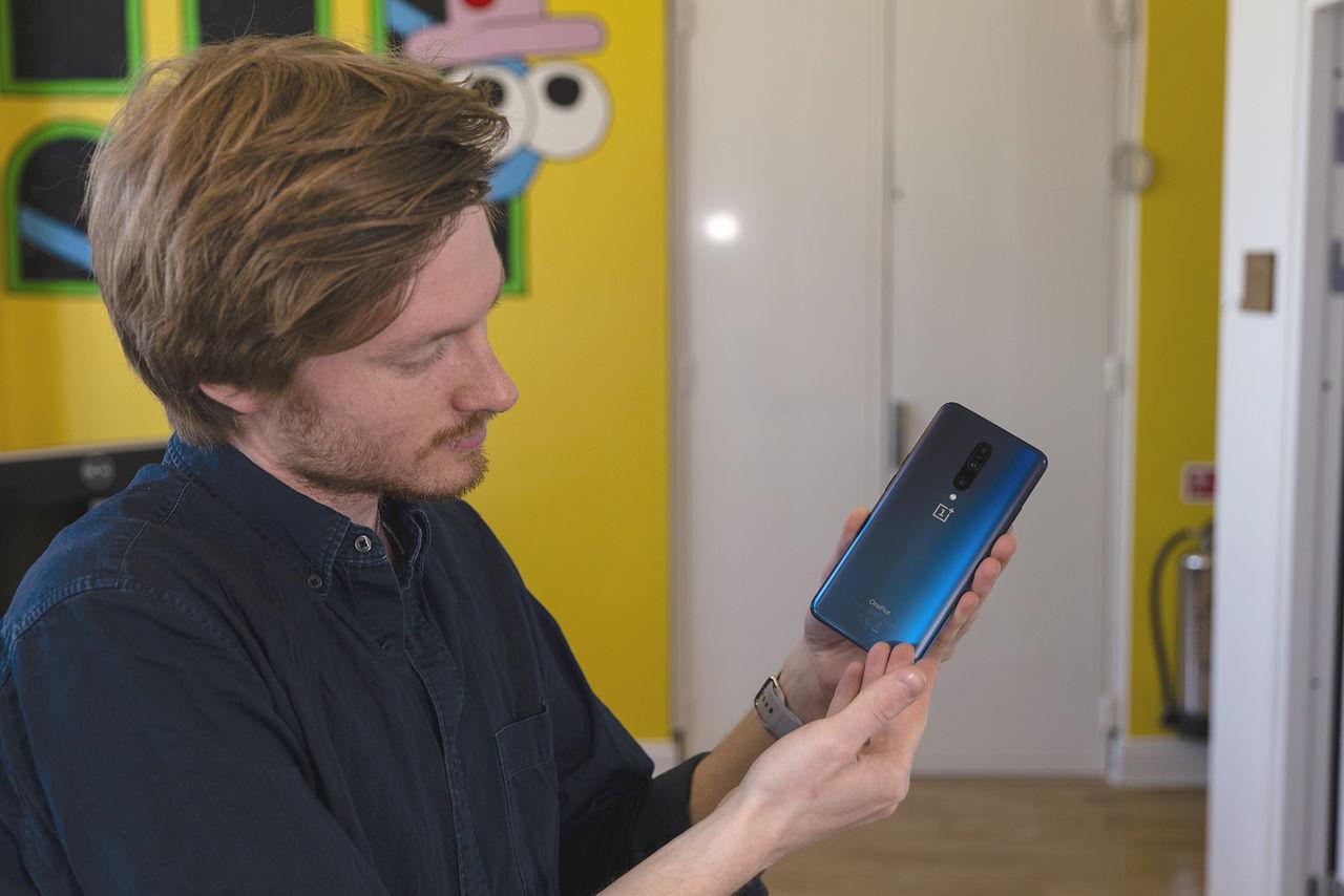 OnePlus börjar rulla ut Android 10 till 7 och 7 Pro