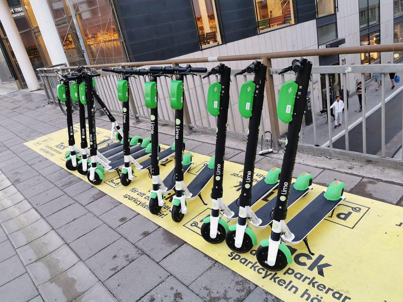 Nu har Stockholm börjat beslagta felparkerade elsparkcyklar