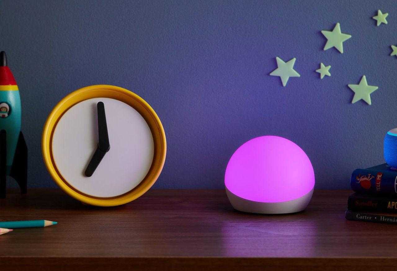 Echo Glow är en smart bordslampa