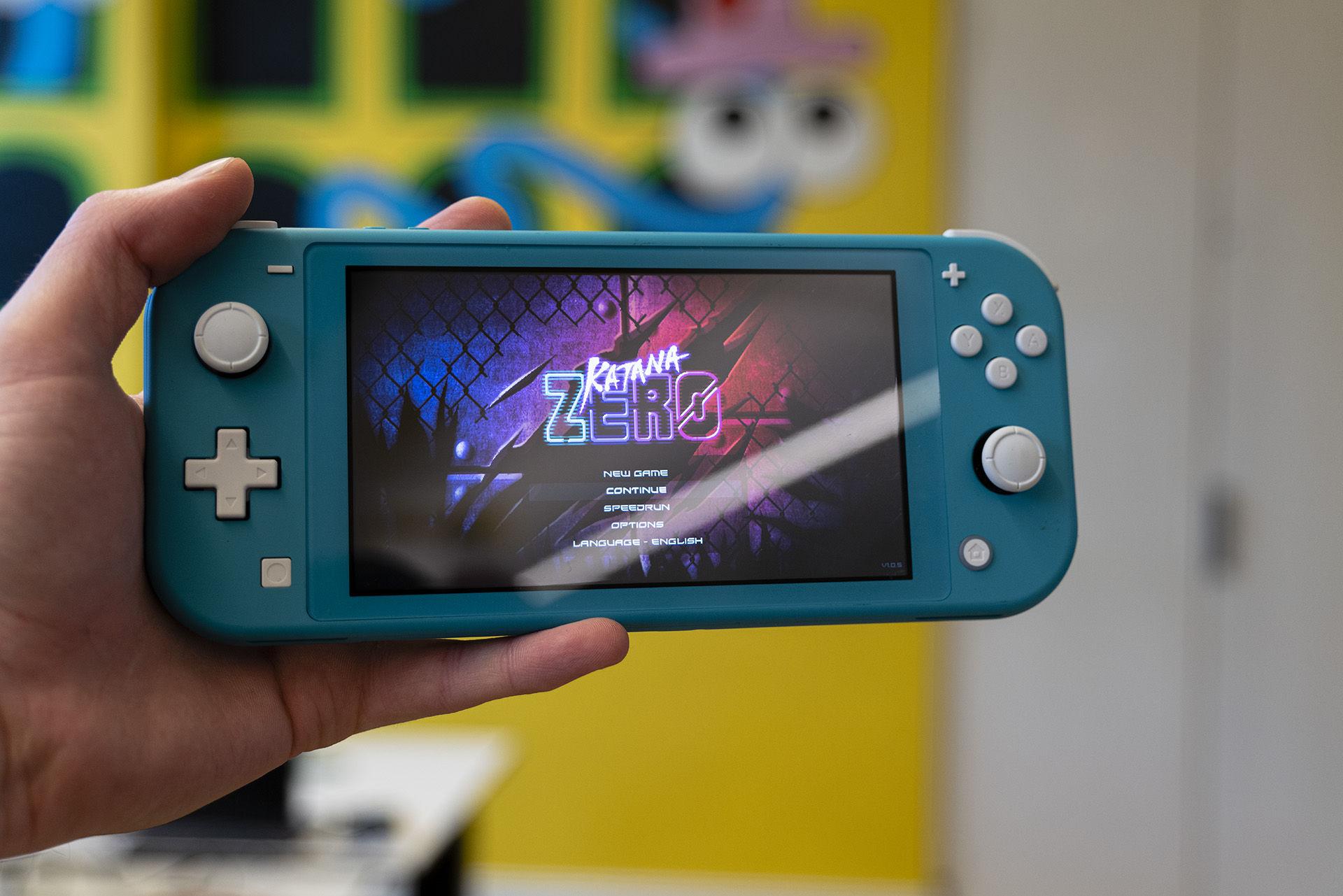 Nintendo Switch Lite känns helrätt för portabelt spelande
