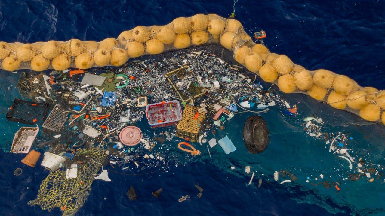 Nu har The Ocean Cleanup börjat rensa Stilla Havet från skräp