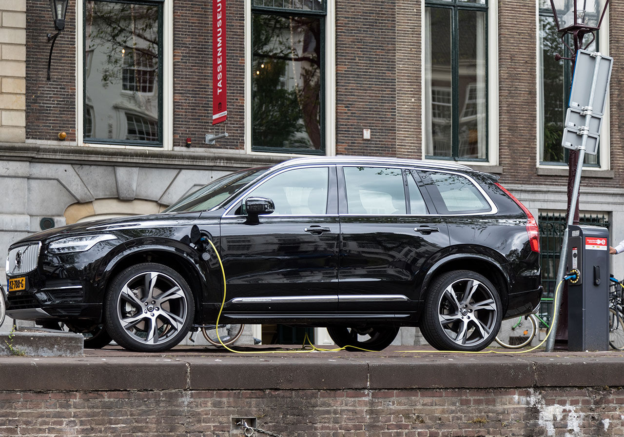 Volvo och Geely startar nytt bolag för förbränningsmotorer