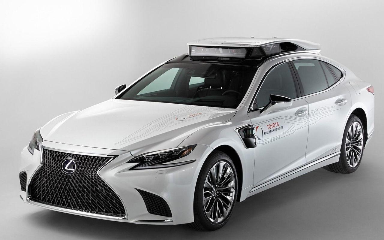 Toyota, GM och andra ska göra plattform för självkörande bilar