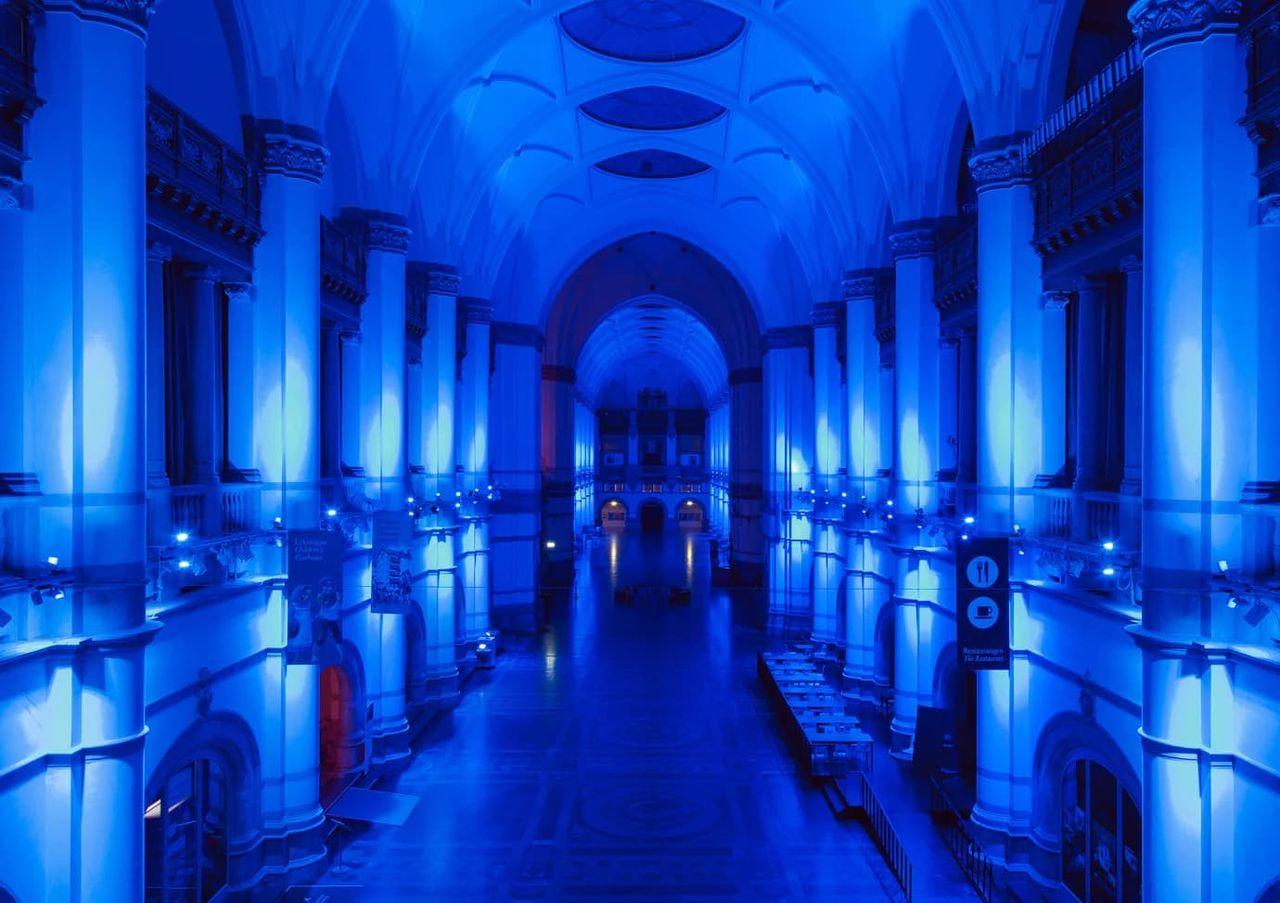 Upplev en natt på ett museum