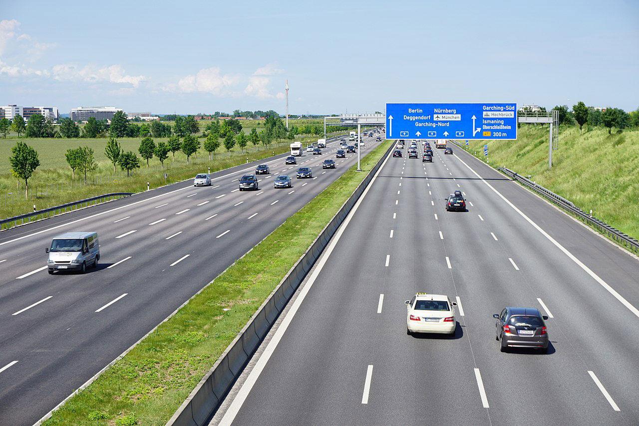 Tyska riksdagen har röstat för fortsatt fri fart på Autobahn