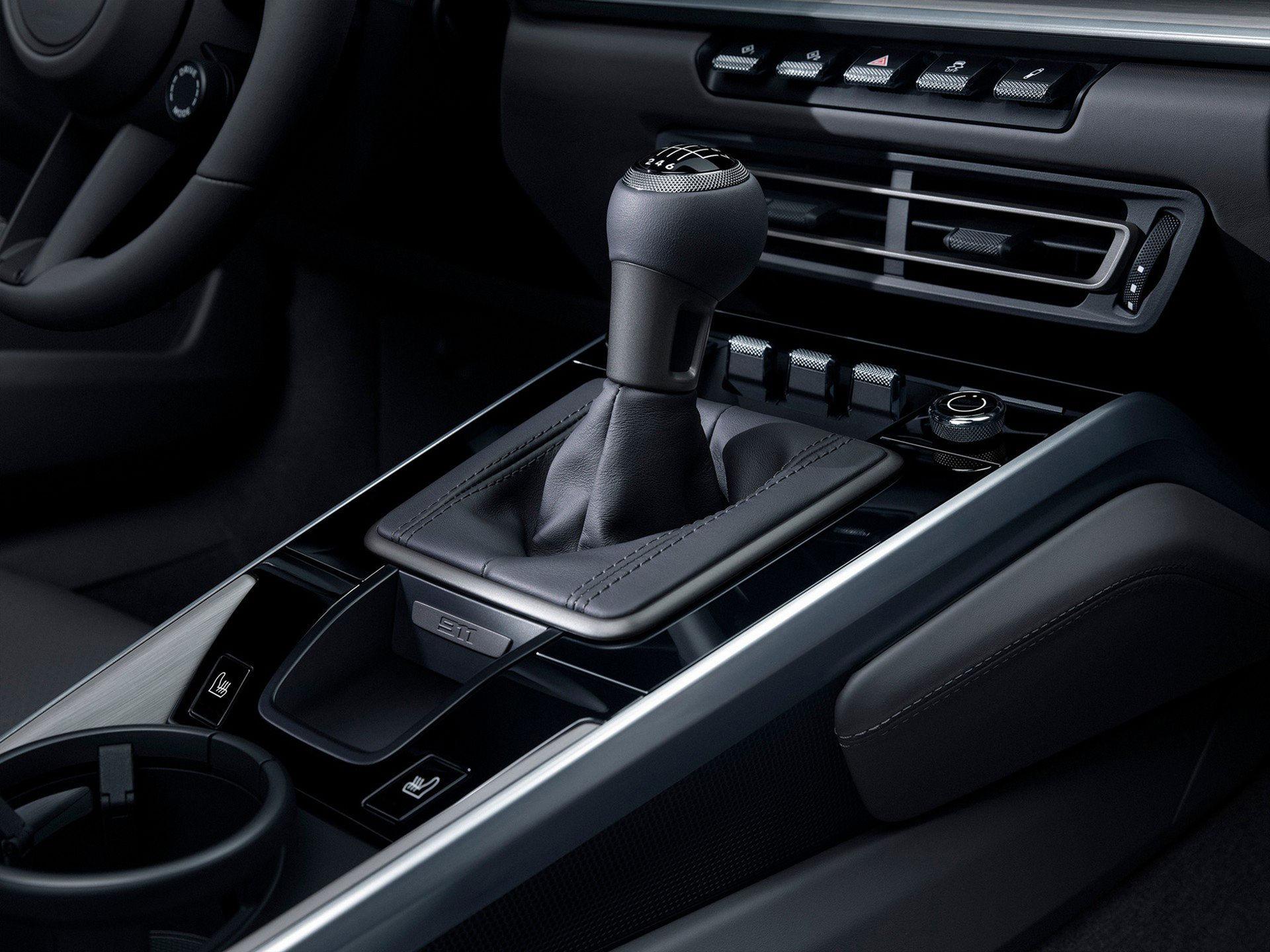 Nu går det att få nya Porsche 911 med manuell låda