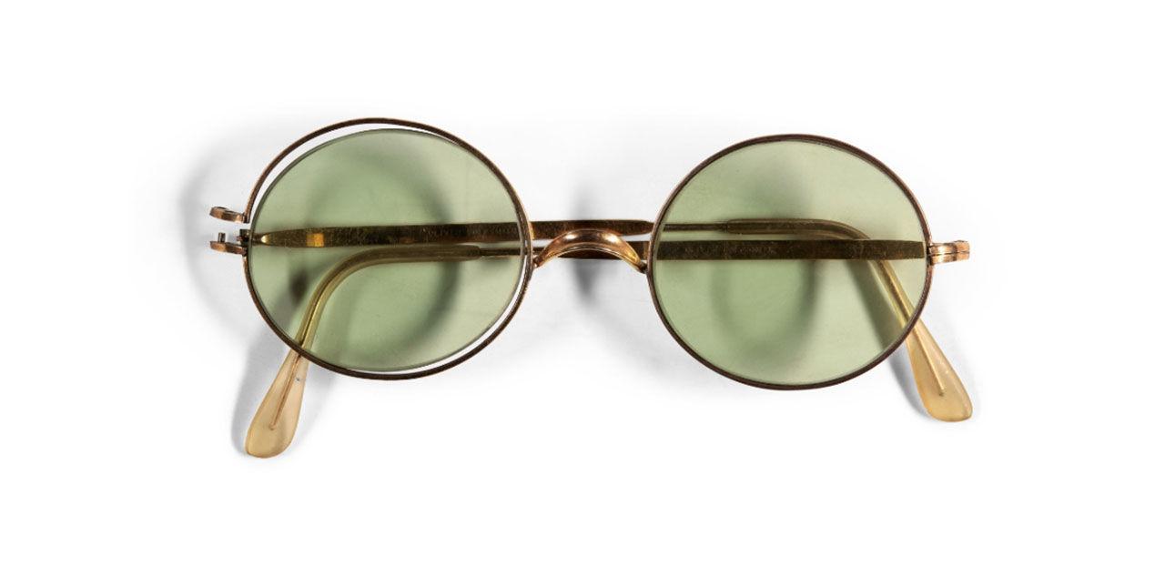 John Lennons solglasögon till salu
