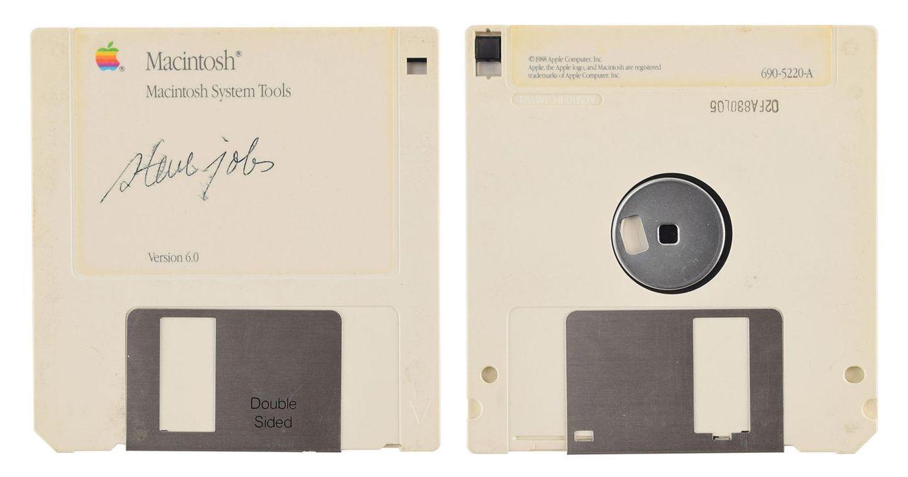 Köp diskett med Steve Jobs autograf