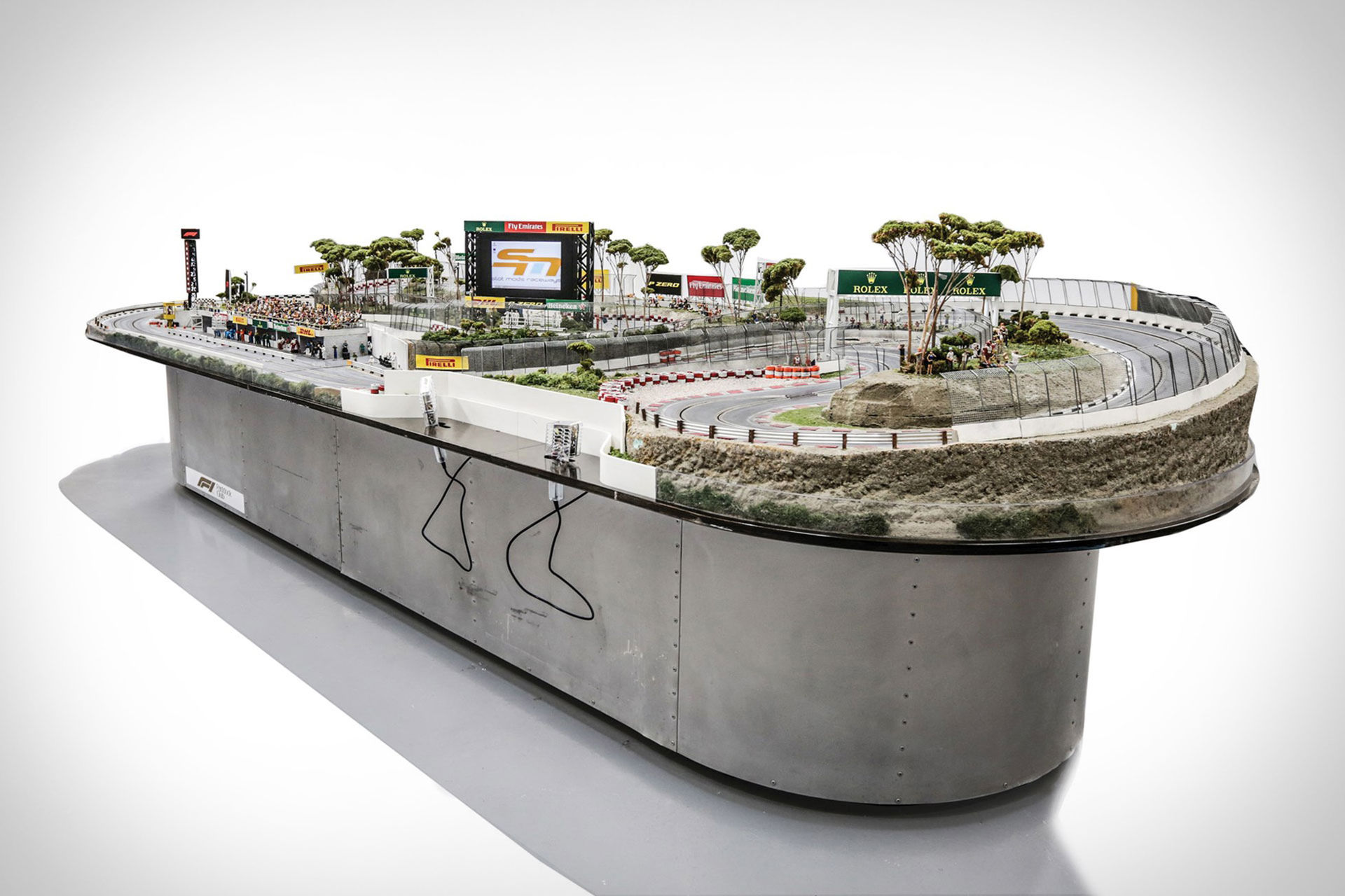 Fet Formel 1-bilbana i skala 1:23