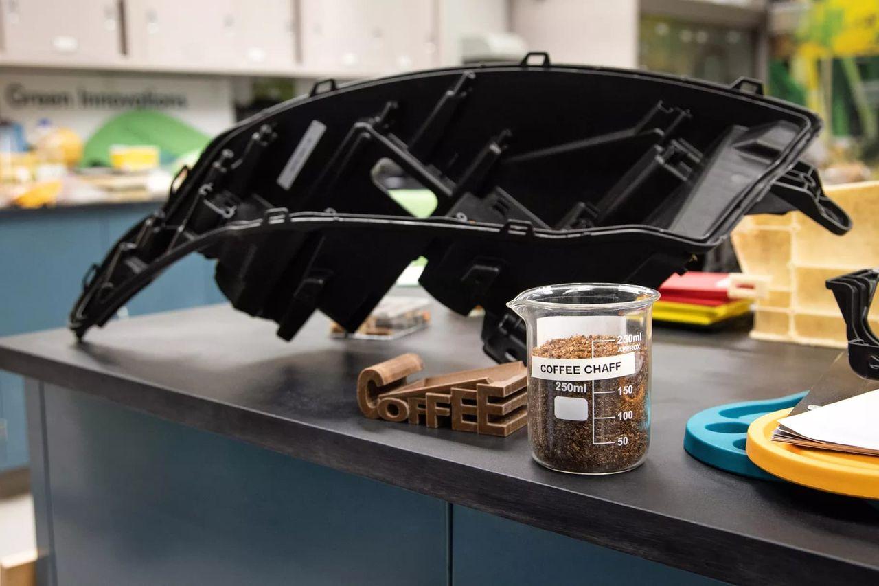 Ford gör bildelar av skal från kaffebönor