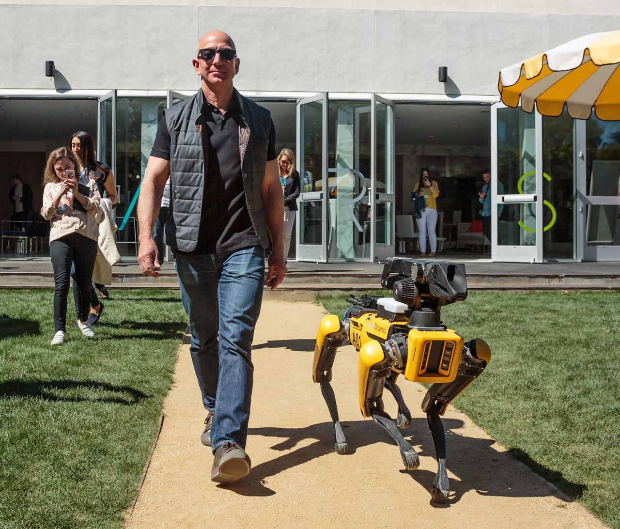 Amazon vill göra en robot som lär sig det den inte förstår
