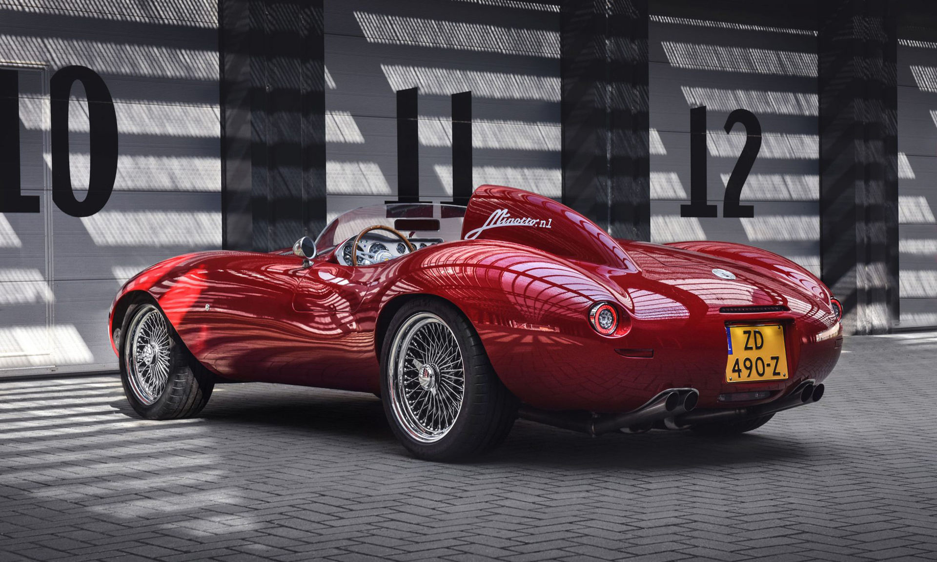 Minotto Barchetta med Ferrari-V12:a under det vackra skalet