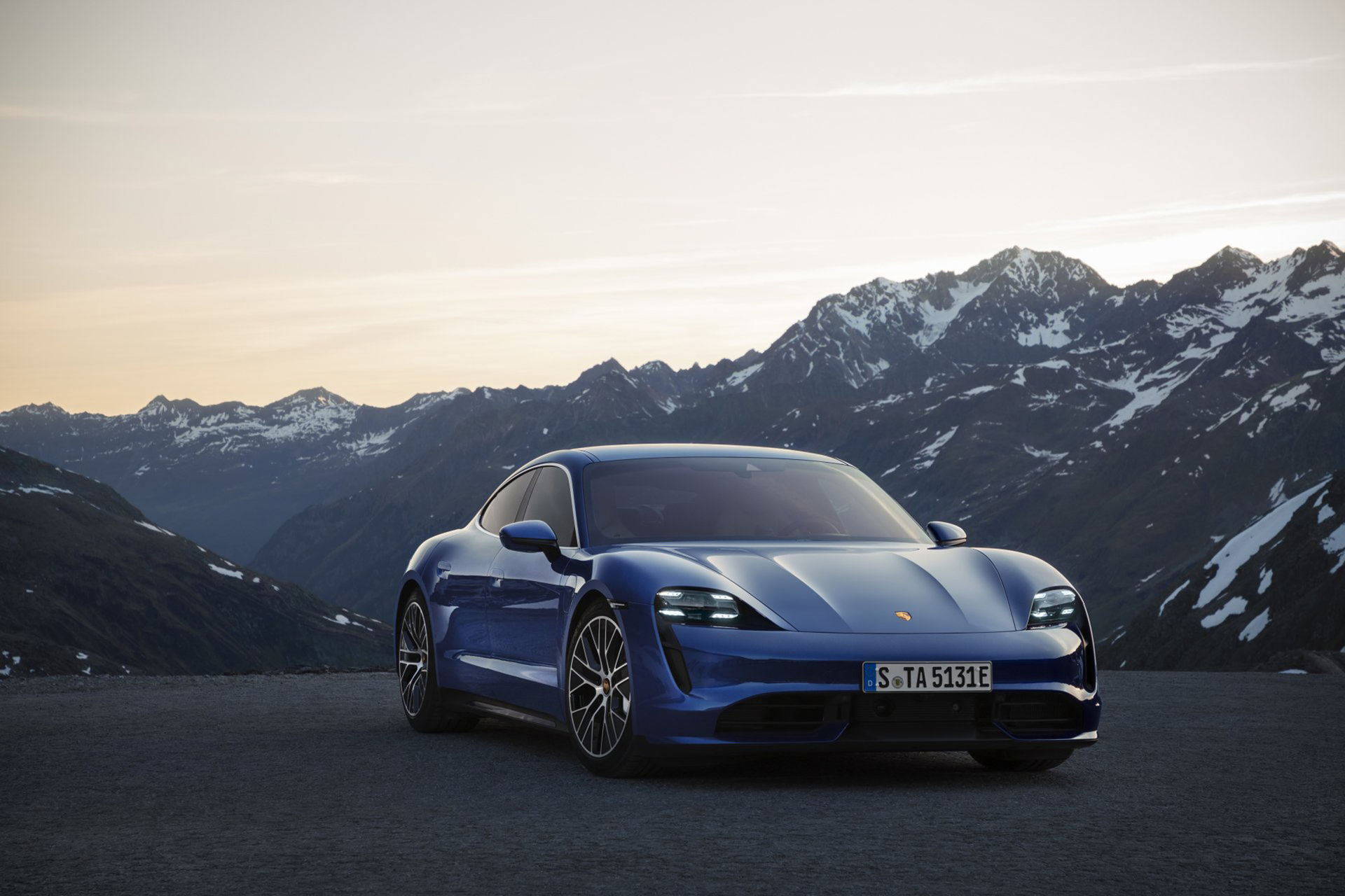 Porsche Taycan Turbo får en EPA-rating på 32 mil