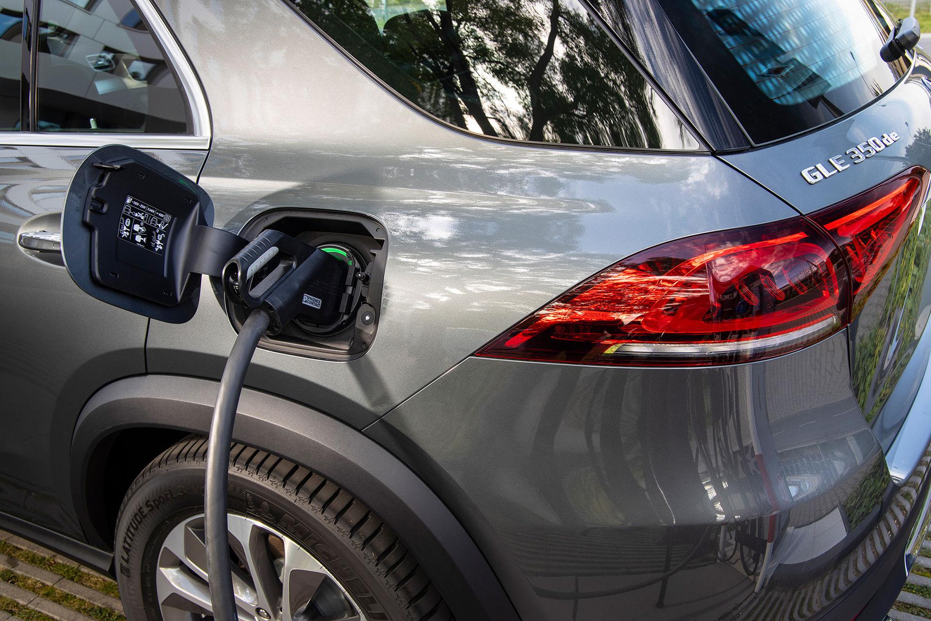 Mercedes GLE laddhybrid kostar från 735.000 kronor