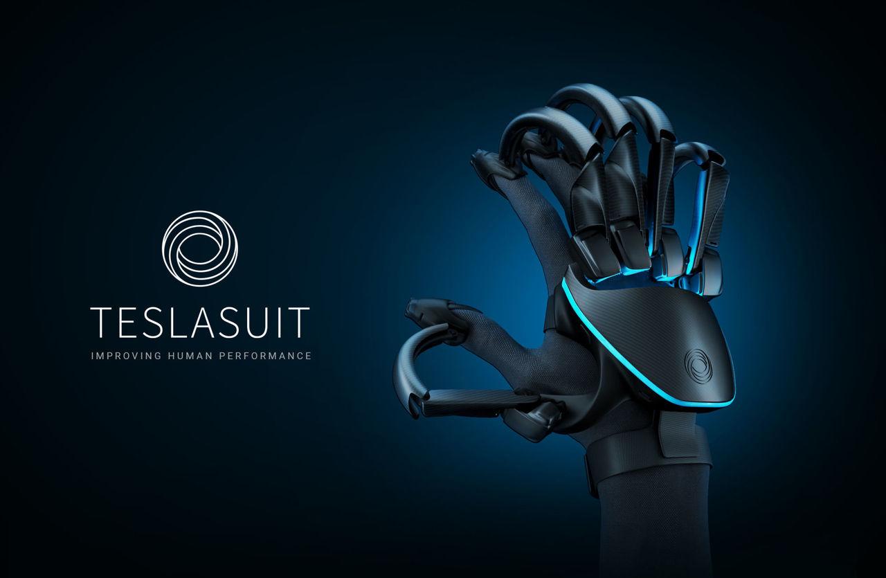 Teslasuit visar upp en handske för VR-upplevelser