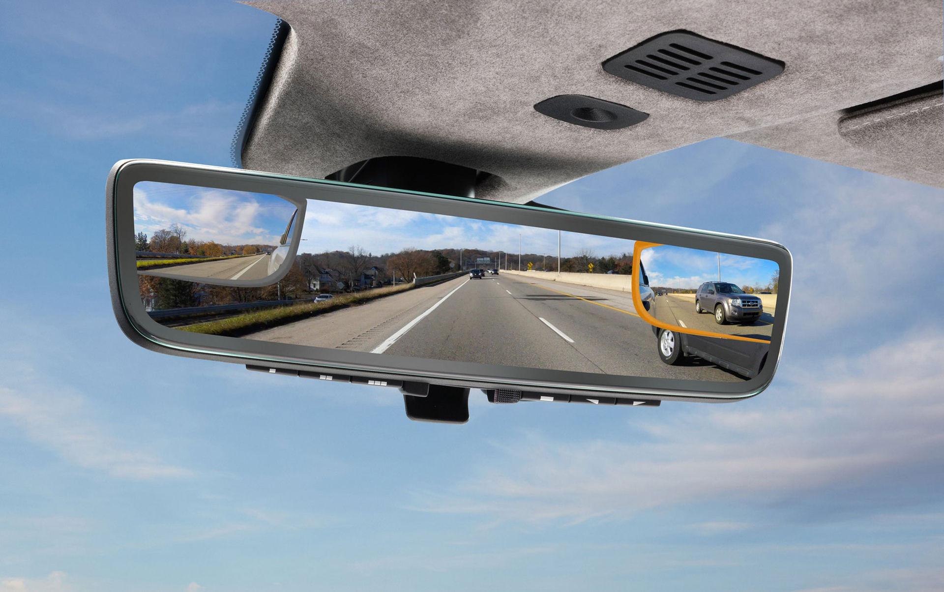 Aston Martin visar smart innerbackspegel på CES