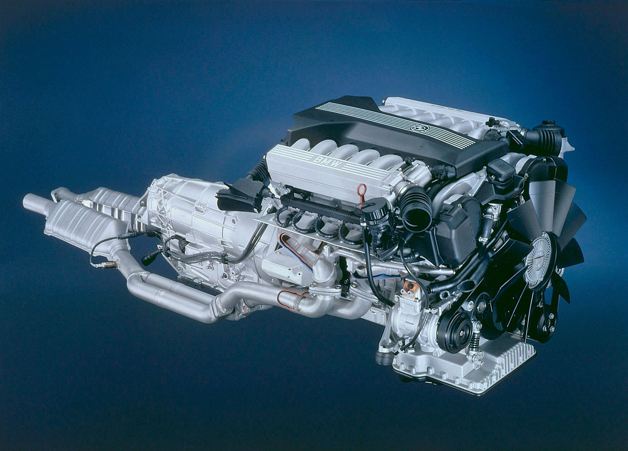 BMW kommer tillverka bensinmotorer i minst 30 år till