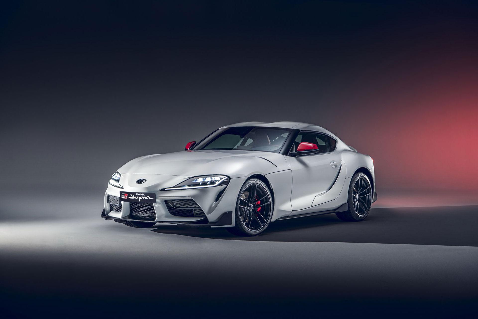 Nya Toyota Supra går nu att få med fyra cylindrar