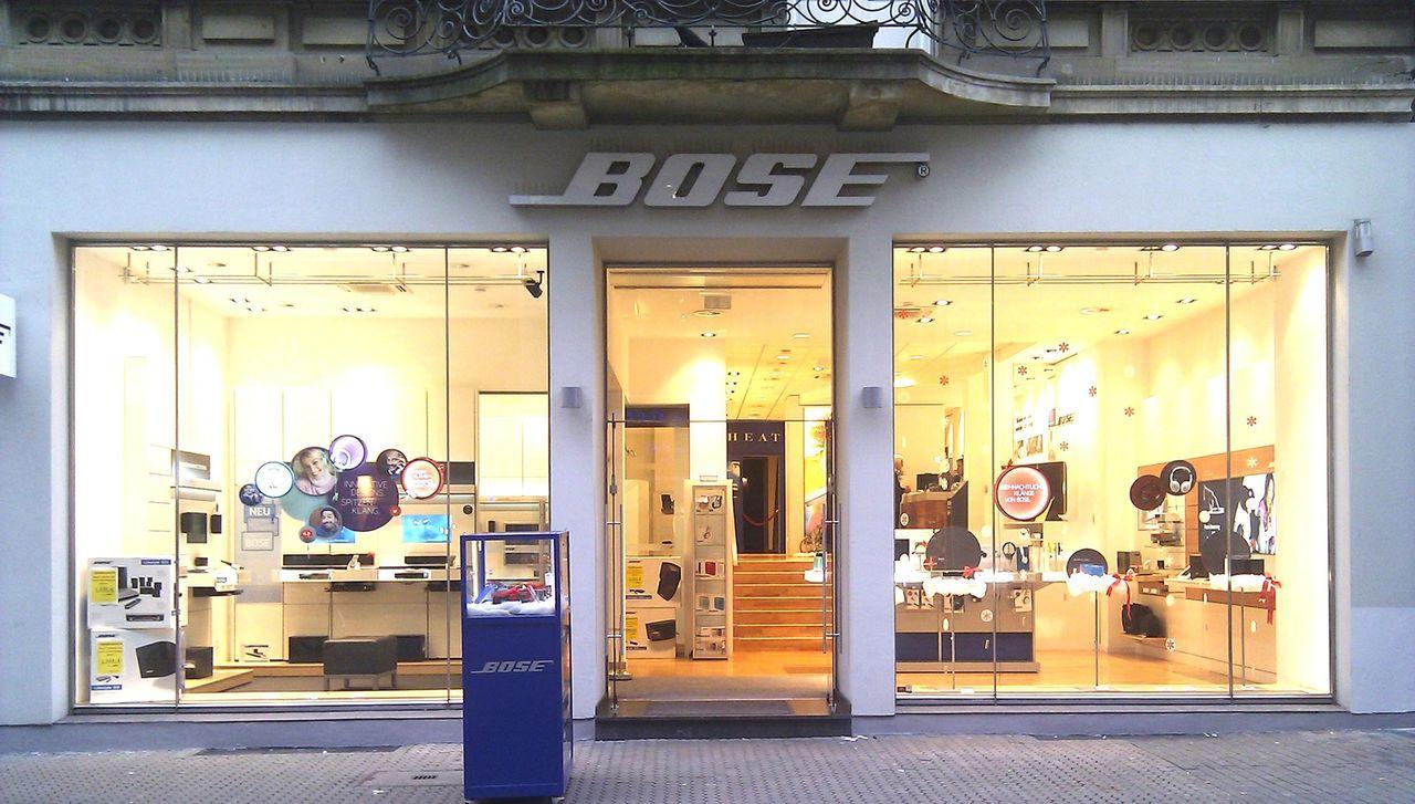 Bose stänger alla affärer i Europa