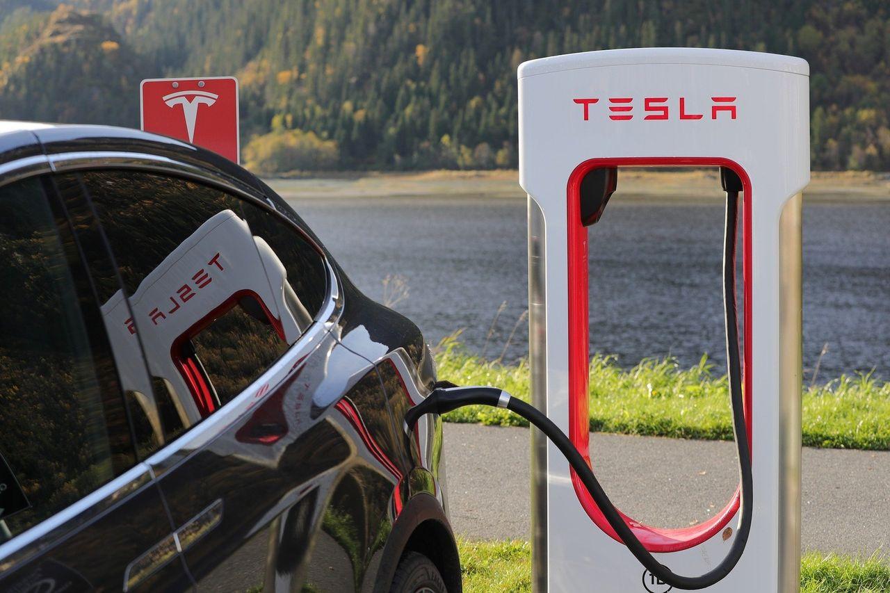 Nu är Tesla värt mer än Volkswagen