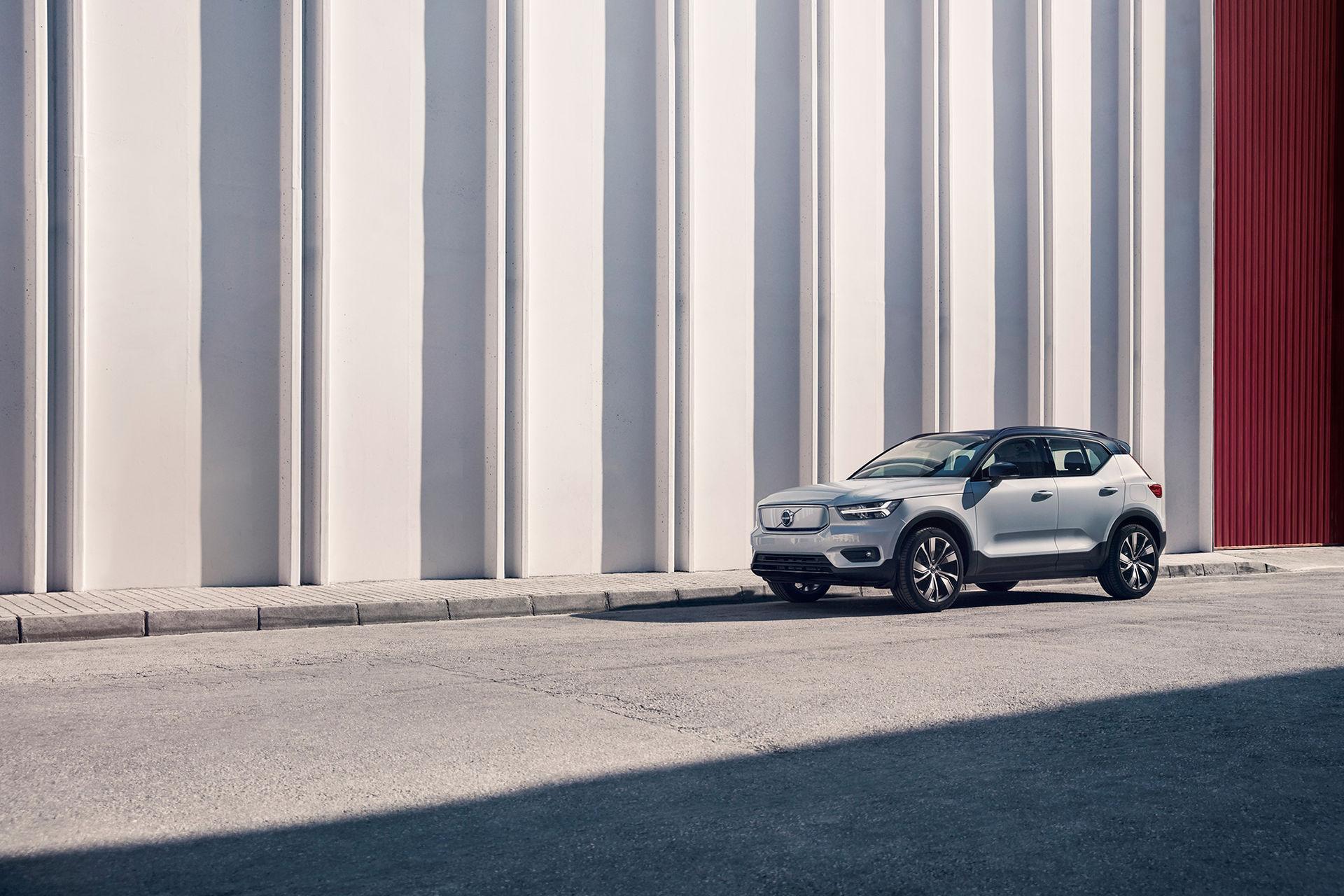 Volvos eldrivna XC40 Recharge P8 AWD börjar säljas idag