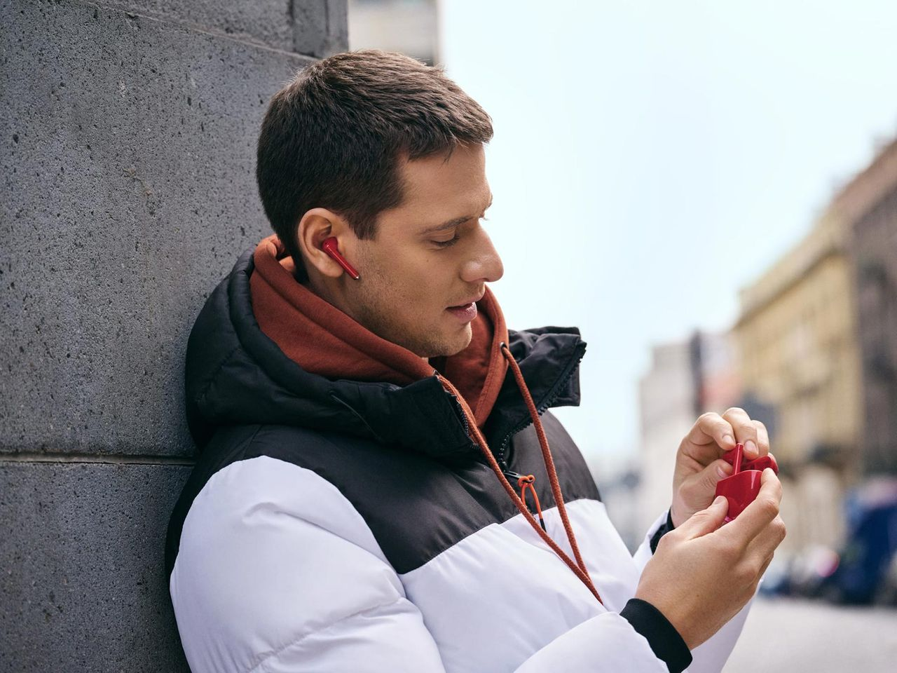 Huawei släpper Freebuds 3 i rött