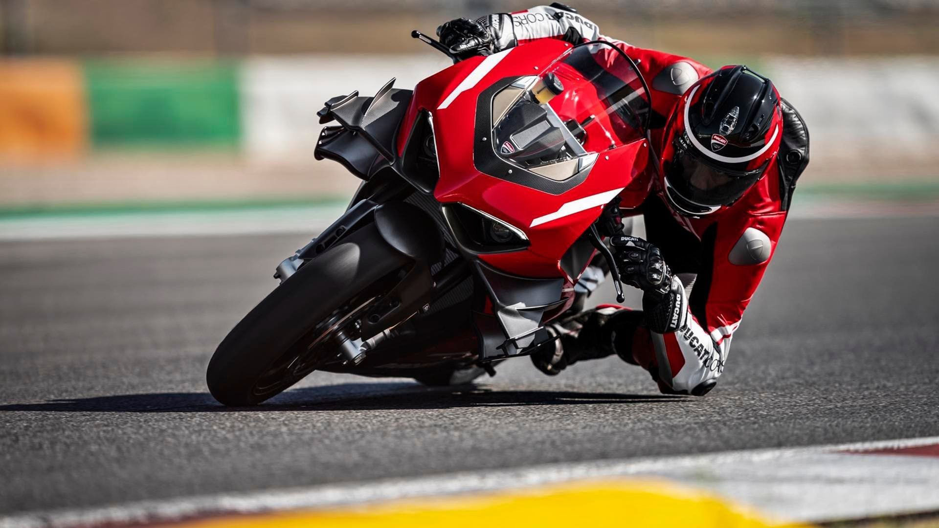 152 kilo, 237 hästar - säg hej till Ducati Superleggera V4