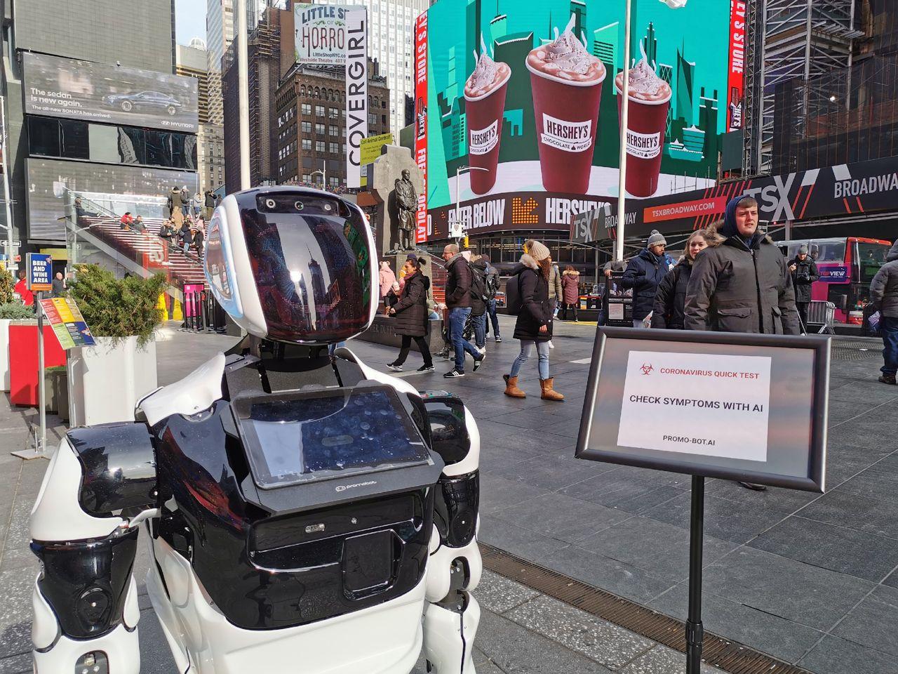 Dum robot letar efter virussmittade på Times Square