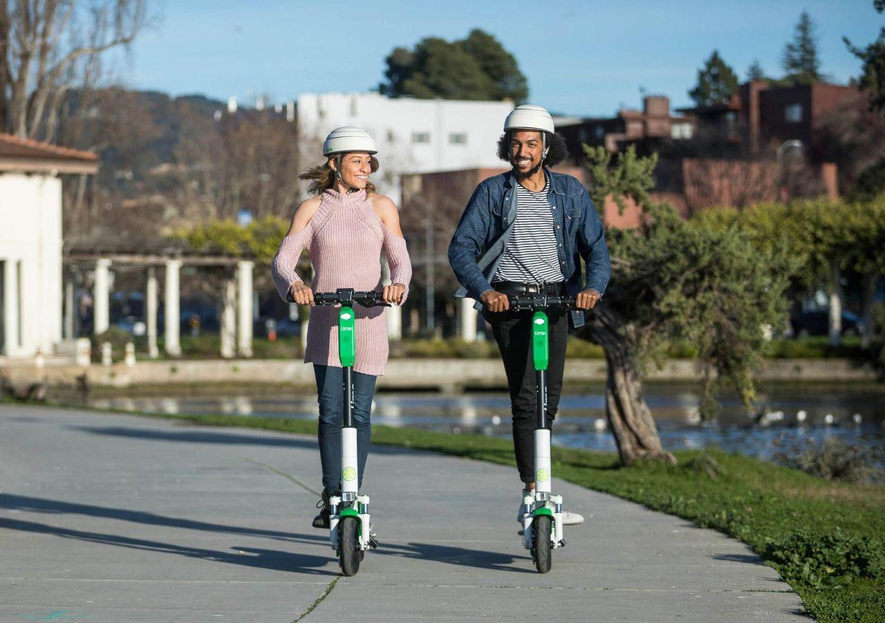 Att cykla och åka elsparkcykel är lika farligt