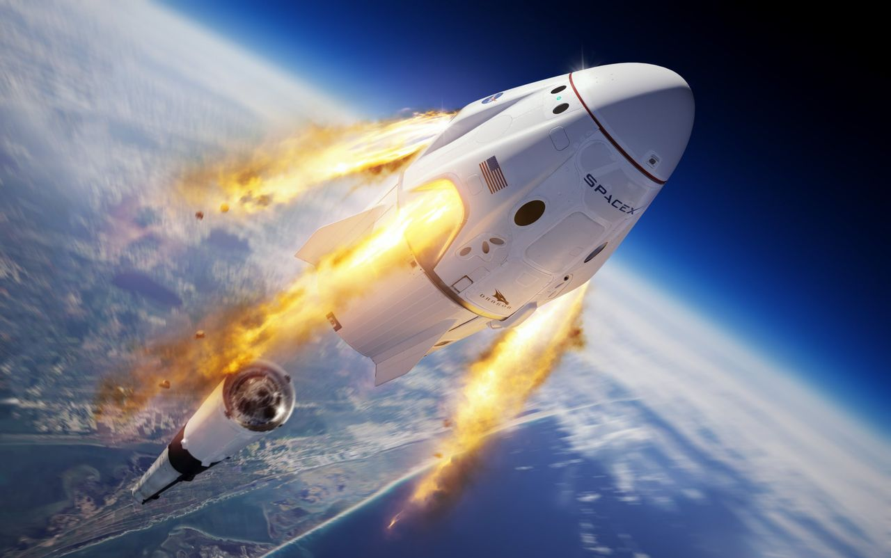 SpaceX ska skicka turister till rymden