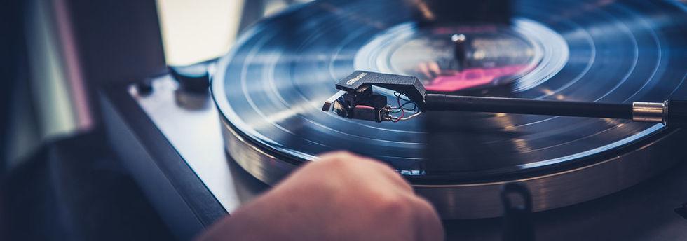 Brand drabbar världens produktion av vinylskivor
