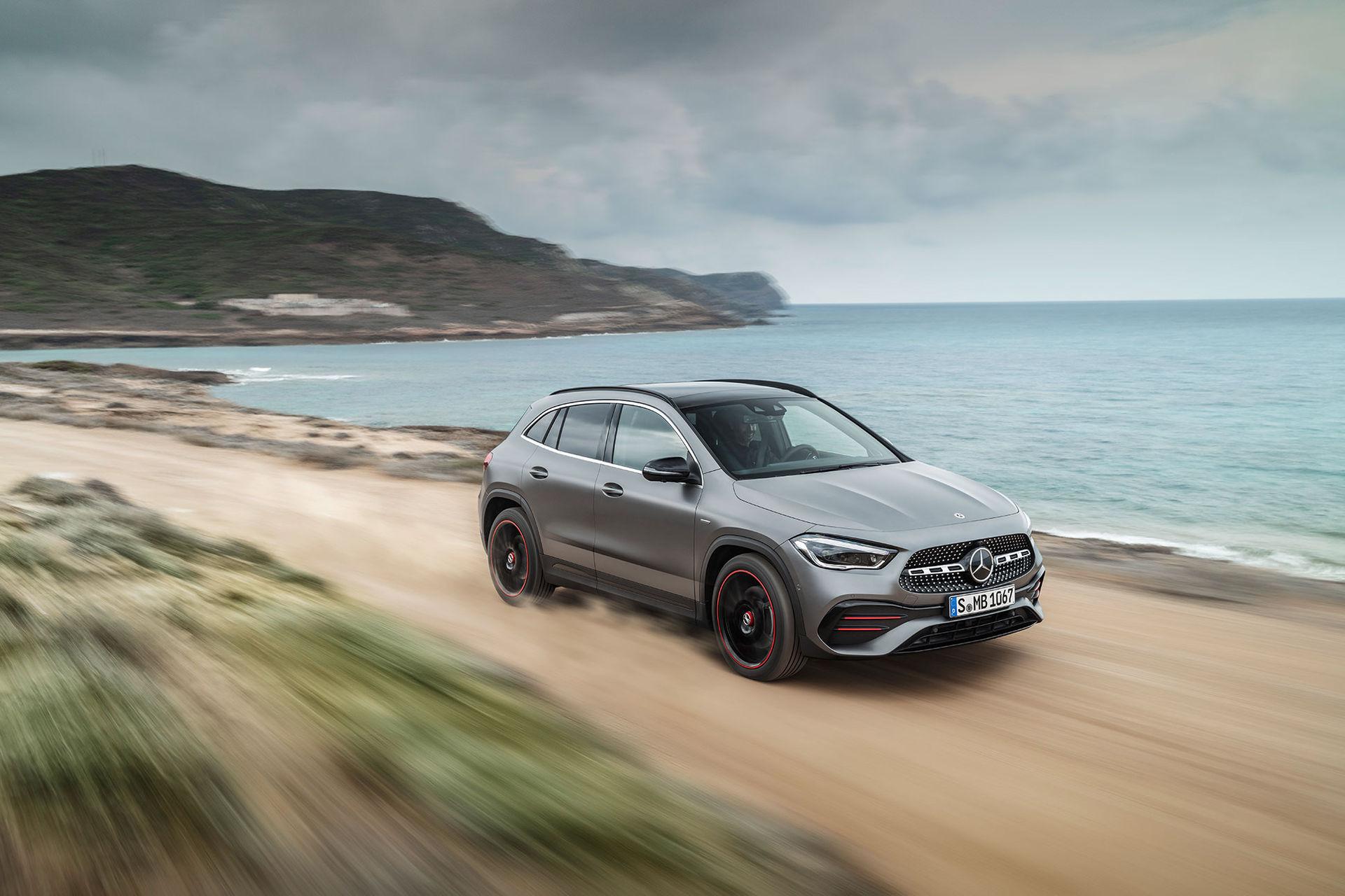 Nya Mercedes GLA blir din för 329.900 kronor