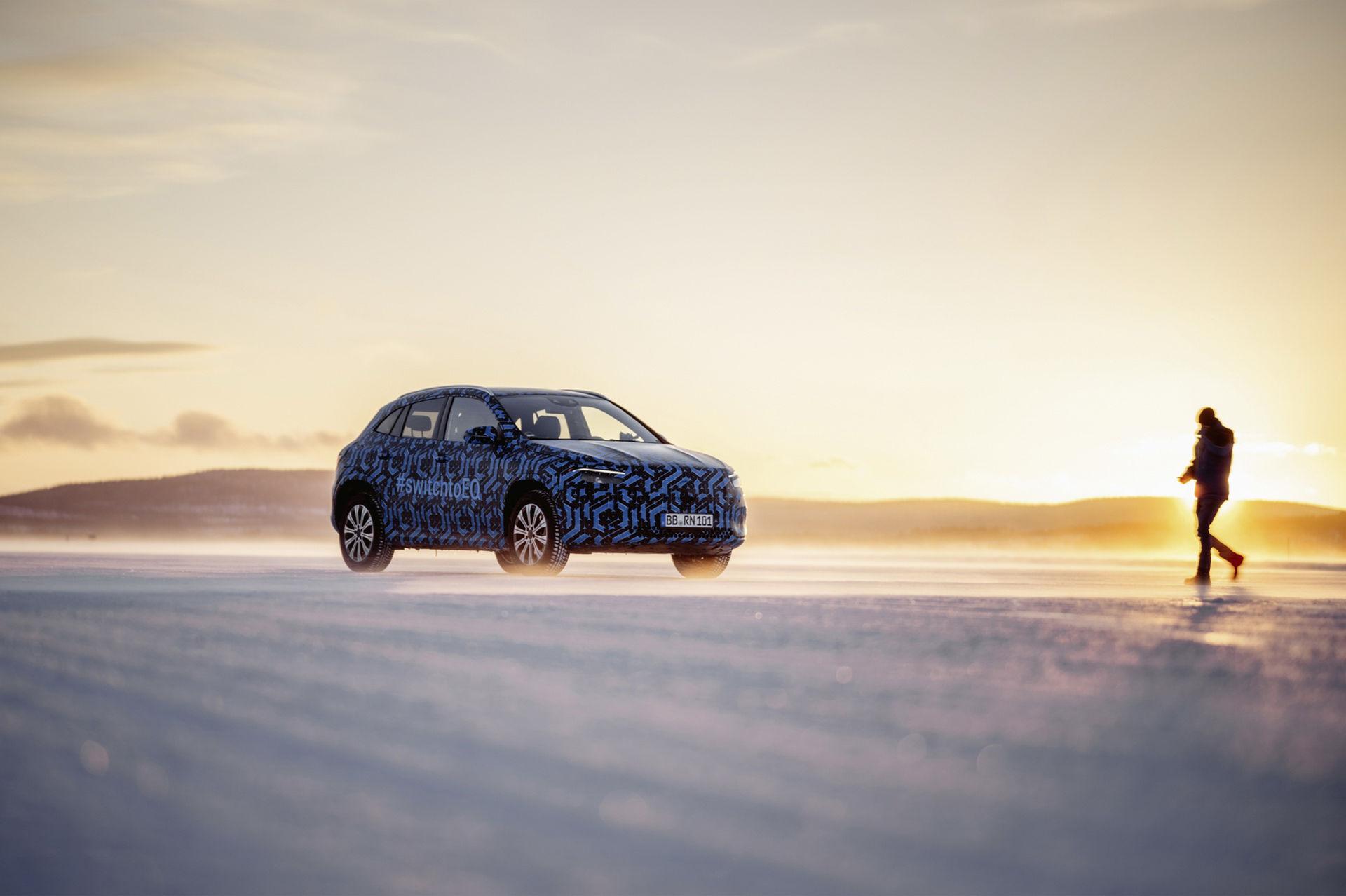 Mercedes släpper teaserbilder på deras nästa elbil