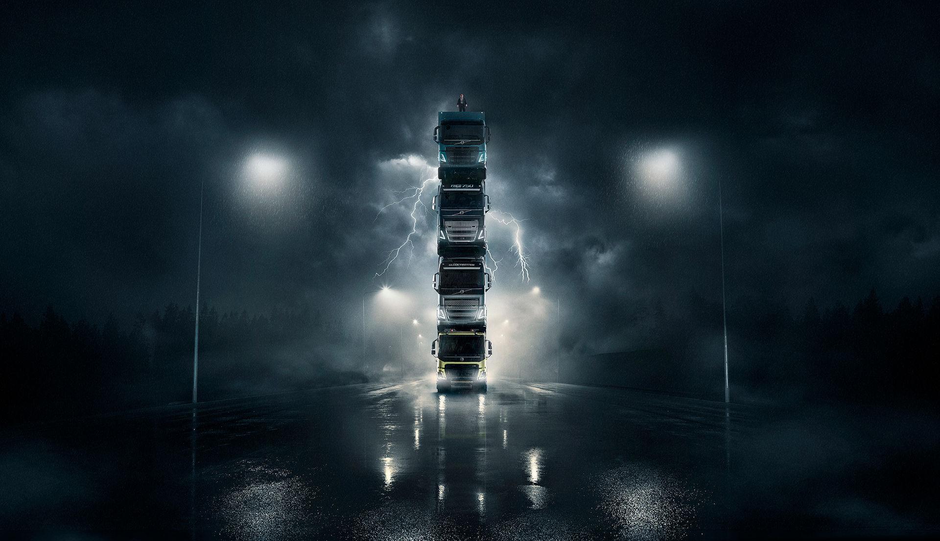 Volvo staplar fyra lastbilar på varandra i ny reklamfilm