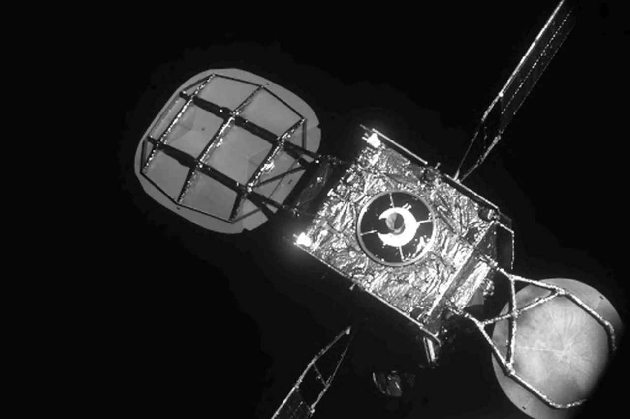 Två privata satelliter har dockat i omloppsbana