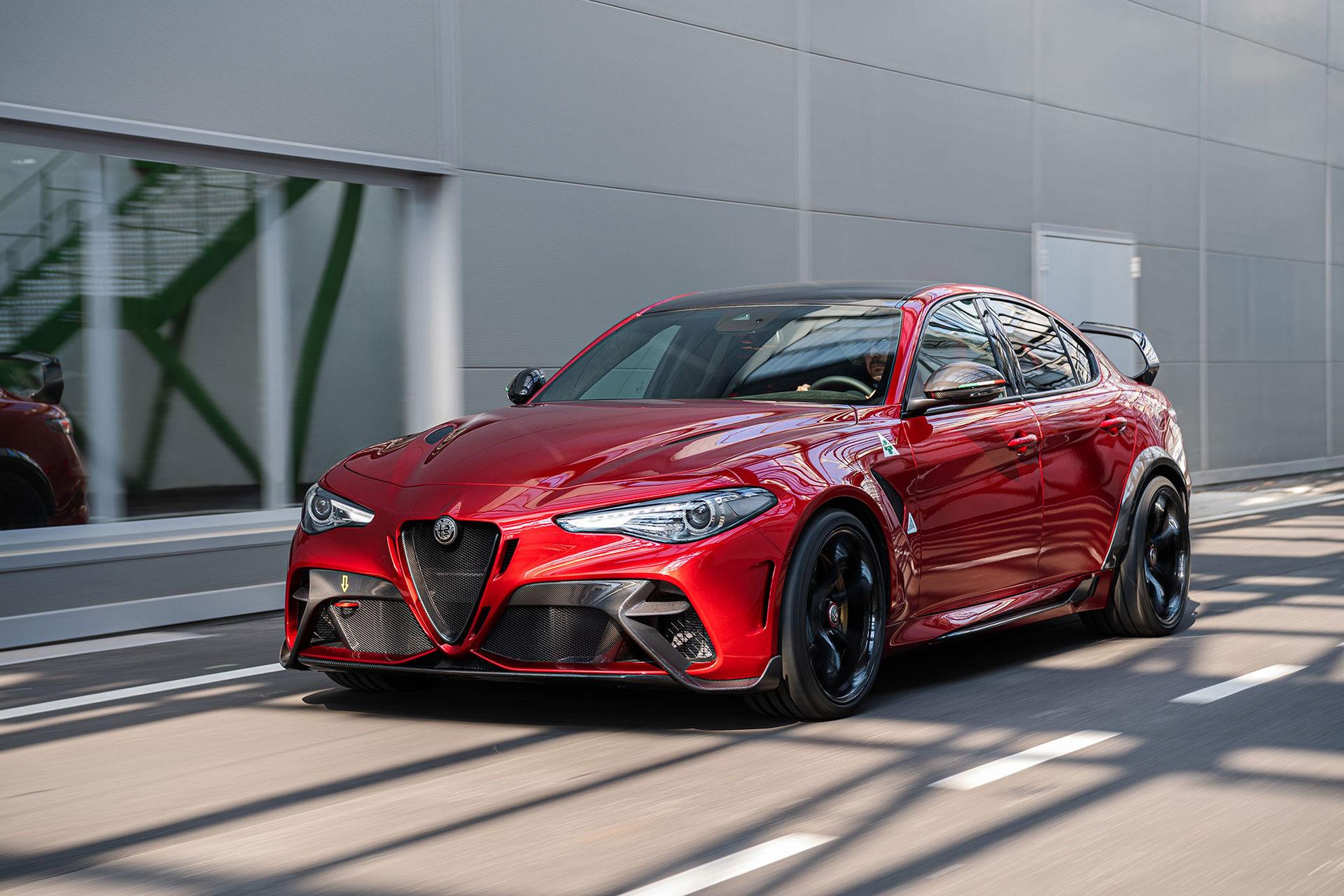 Nu är de här - Alfa Romeo Giulia GTA och GTAm