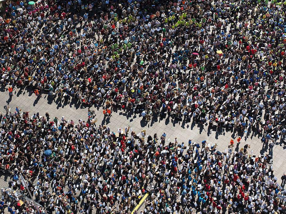 Sammankomster med fler än 500 personer stoppas Regeringen följer Folkhälsomyndighetens förslag