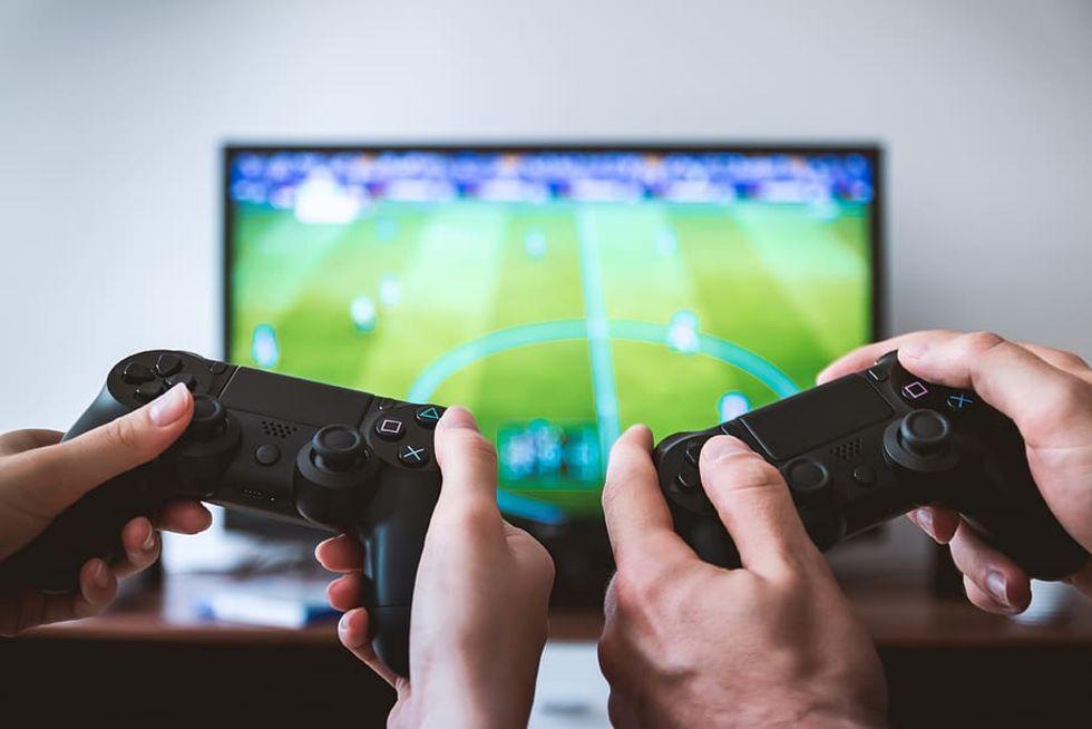 Gamers i karantän får speltjänster att gå på knäna