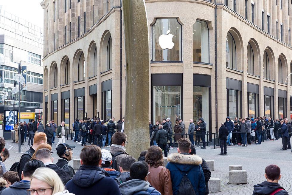 Nu får man max köpa två iPhones åt gången