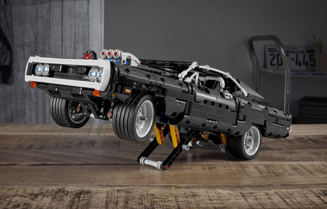 Doms Dodge Charger från Fast & Furious nu som Lego