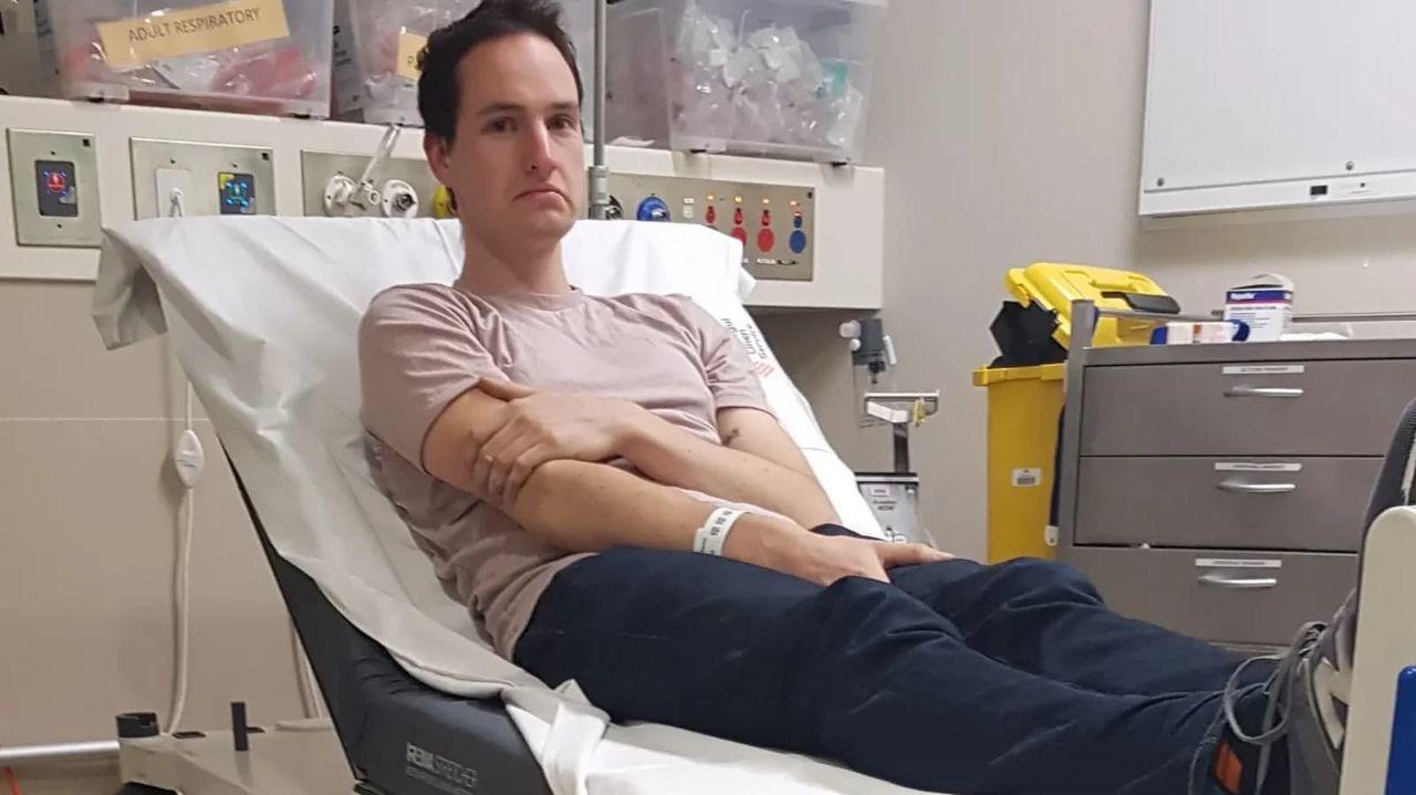 Man fick åka till sjukhus efter att ha utvecklat corona-manick