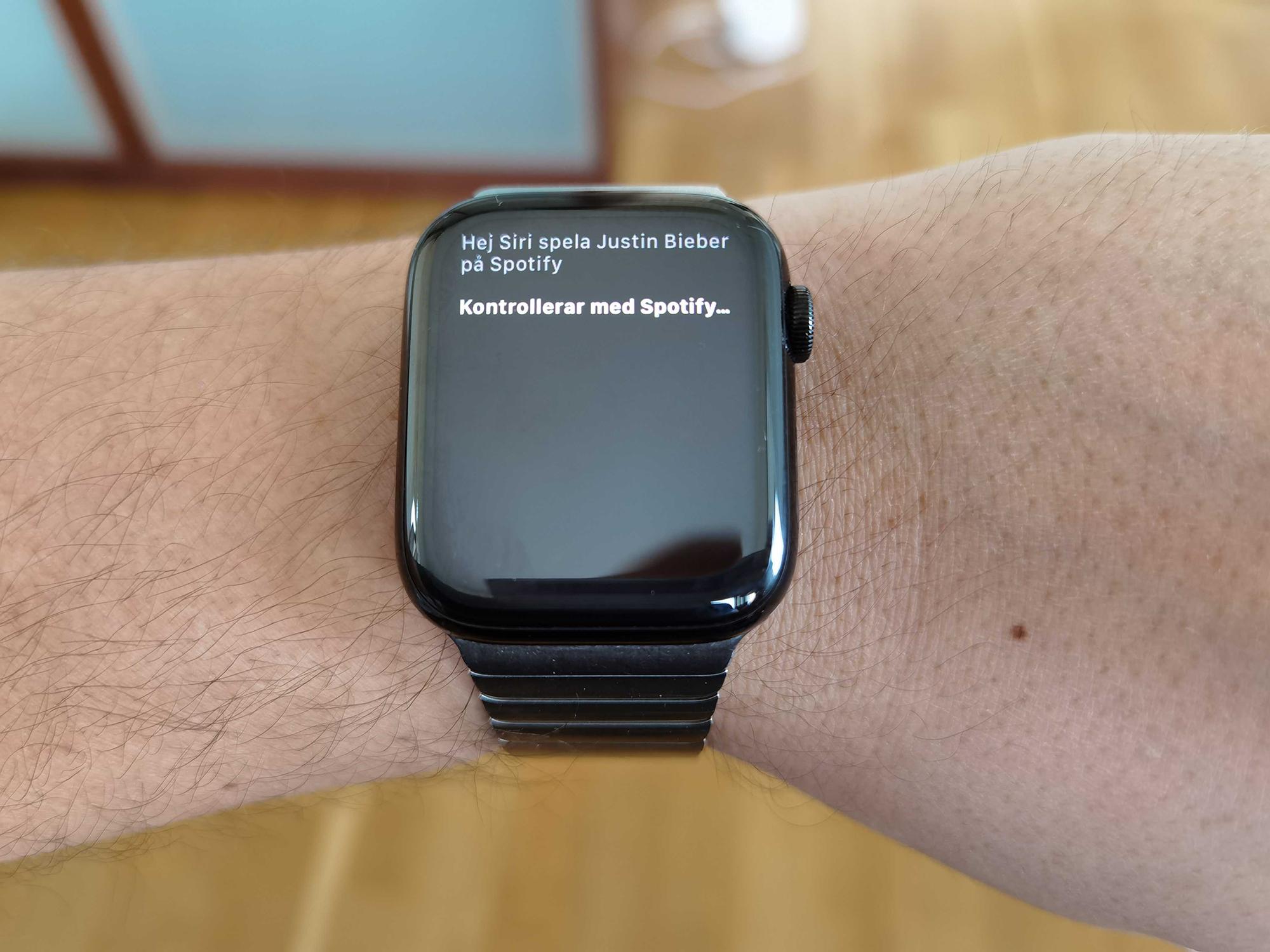 Spotify får stöd för Siri på Apple Watch Säg till din klocka att spela upp lite sköna beats