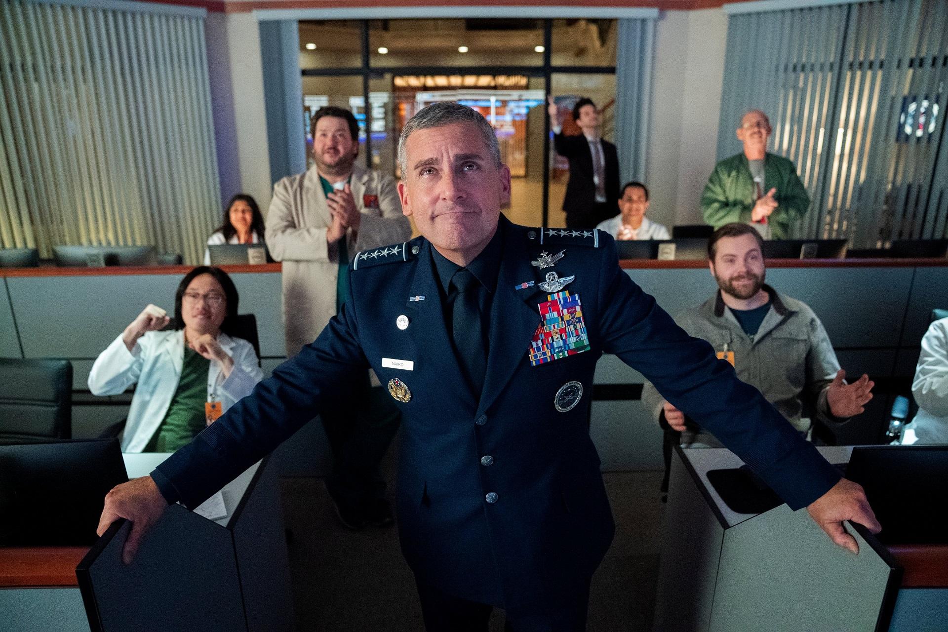 Space Force har premiär 29 maj på Netflix Ny komediserie från skaparen av amerikanska The Office