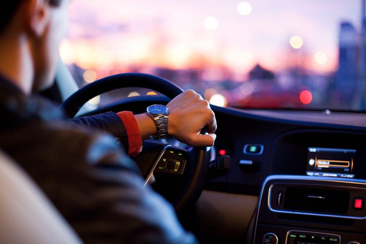 Studie visar att män farligare i trafiken än kvinnor