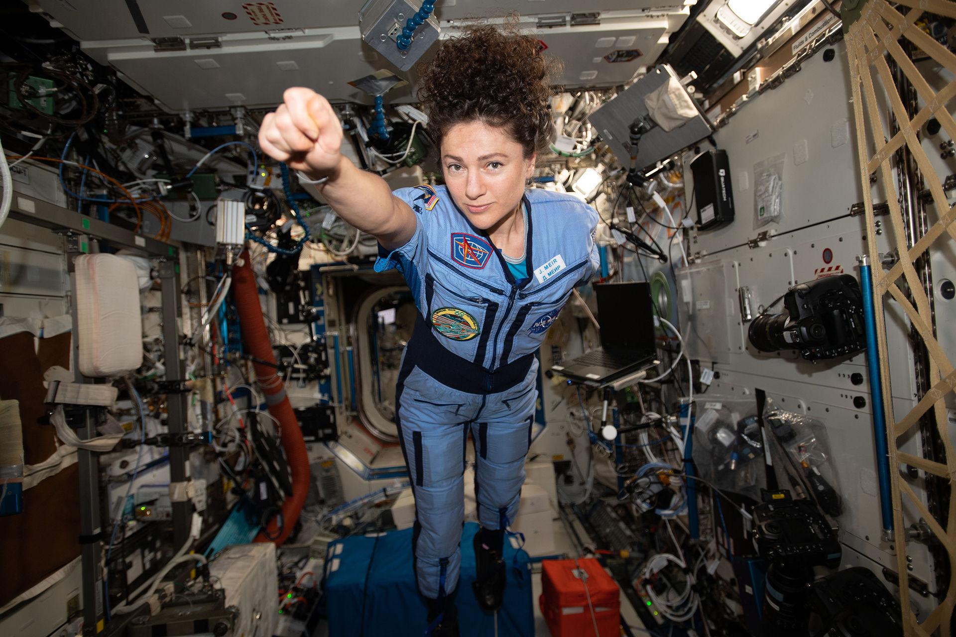 Tre rymdfarare åter på jorden