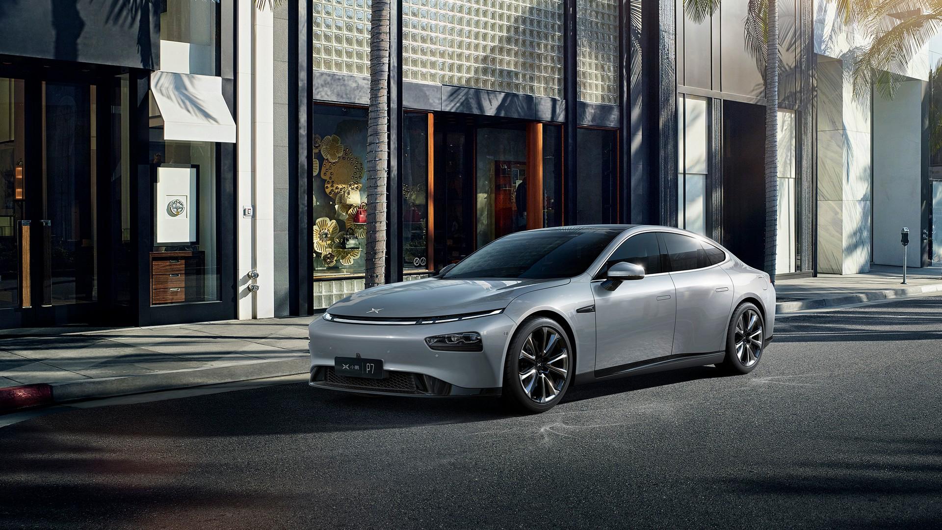 Eldrivna Xpeng P7 lanseras i Kina En utmanare till Tesla Model 3
