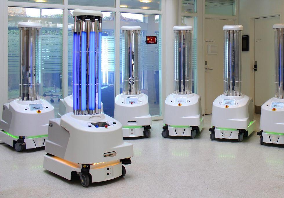 Robotar används för att desinficera sjukhus med UV-strålar